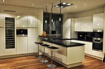 travaux de renovation pour refaire sa cuisine a paris et. Black Bedroom Furniture Sets. Home Design Ideas