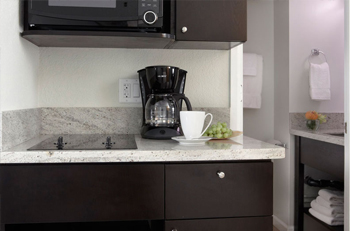 cuisine fonctionnelle et ergonomique accessoire cuisine inox. Black Bedroom Furniture Sets. Home Design Ideas