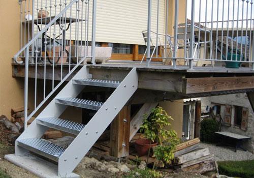 Installation d un escalier exterieur fourniture et pose en exterieur - Escalier exterieur acier ...