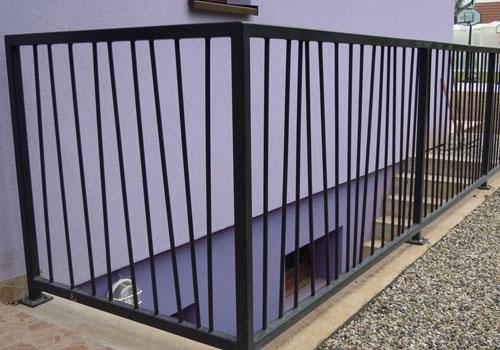 pose de garde corps pour securiser votre escalier. Black Bedroom Furniture Sets. Home Design Ideas