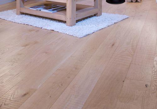 pose de parquet flottant stratifie et massif renovation de votre sol. Black Bedroom Furniture Sets. Home Design Ideas