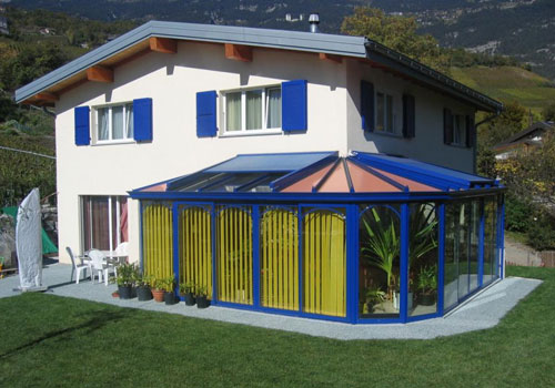 Installation de veranda fourniture et installation a for Maison avec angle casse