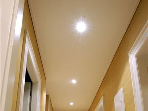 Best model faux plafond couloir contemporary awesome for Decoration plafond couloir